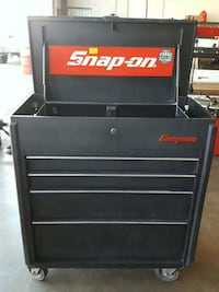 black Snap-on tool chest Milpitas, 95035