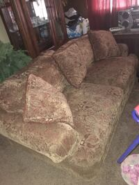 Couch set  Lubbock, 79412