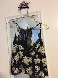 Black and white floral crop top Rockville, 20853