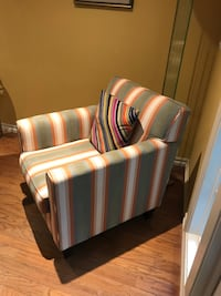 Armchair in Great Condition  2279 mi