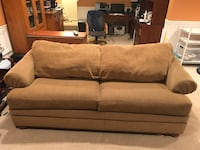 La-Z-Boy couch - excellent condition  Fairfax Station, 22039