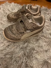 Size 5 puma toddler girl shoes
