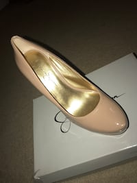 Nude leather platform pumps Walkersville, 21793