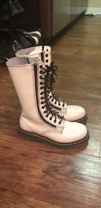 white dr.Martens size 6 West Hollywood, 90046