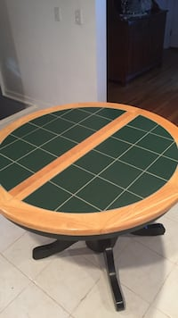 Green tile table with leaf,great condition Billerica, 01821
