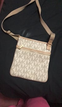 White and gray monogrammed michael kors leather crossbody bag Calgary, T2X 2R5