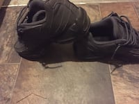 Pair of black nike air max shoes Edmonton, T5G 1A7