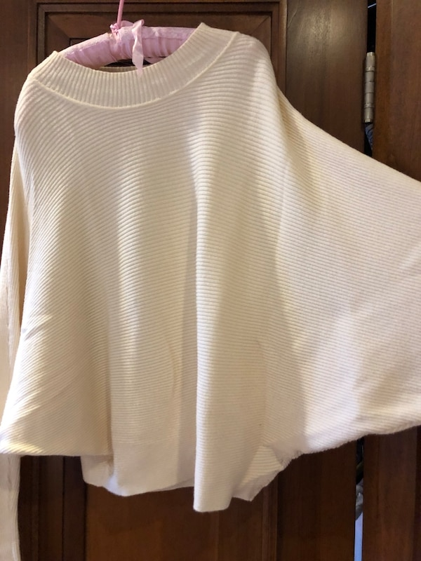 ZARA Knit cropped sweater 8a7c702d-5f24-423d-a491-1d09964f77c0