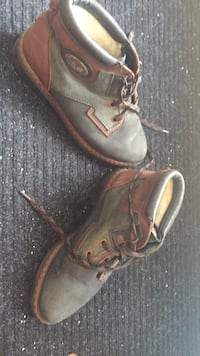 Lovely Italian ladies boots. Very warm. Size 39. I live these but have four pairs of boots so don't need them. Laval, H7Y 2C1