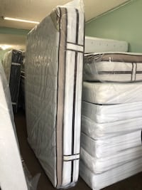 Gray and white bed mattress Baltimore, 21222