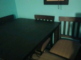 Bar style table with 4 chairs