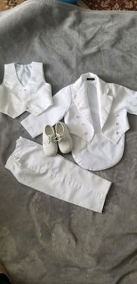 Baby white suit and shoes  Toronto, M1L 3E8