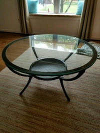 round black metal framed glass top table Gaithersburg, 20879