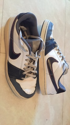 Baskets blancs et noirs Nike Low Top