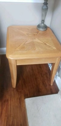 2 square brown wooden side table Geneva, 60134