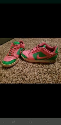 Custom Nikes - size 6  Scappoose, 97056