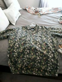 green and white floral shirt Dana Point, 92624