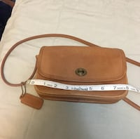 Vintage Coach Crossbody - Caramel Brown 13 mi