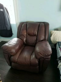 Recliner and Couch Sarasota, 34243