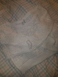 Womens large sweater 920 mi