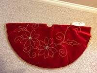 Red and gold christmas tree skirt