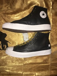 Converse (undefeated ) size 10 1/2 Union City, 07087