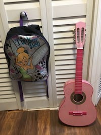 Kids guitar and backpack Annandale, 22003