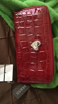 red leather quilted crossbody bag Toronto, M3M 2H2