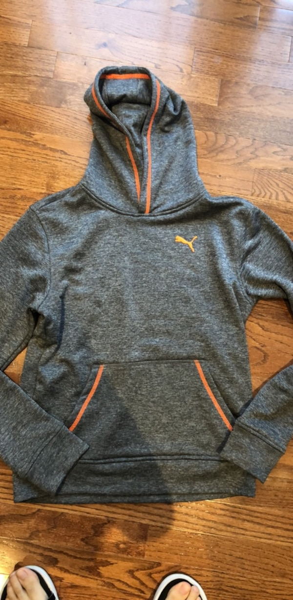 2676c40bd Used gray and orange Nike pull over hoodie for sale in 杰里科 - letgo