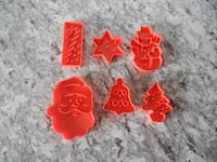 *Vintage* 1978 Christmas Cookie Cutters  Morinville