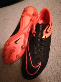 pair of red-and-black Nike cleats 7.5 hypervenoms Brampton, L6S 3G8
