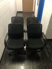 4 office chairs with adjustable height 46 km