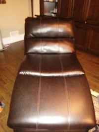 XL Chaise in excellent condition Guelph, N1L 0K6