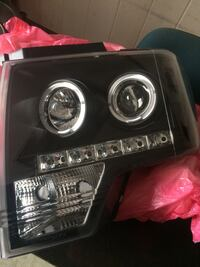 09-14 Ford F-150 headlights  Houston, 77037