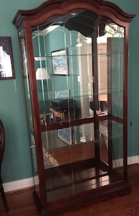 SOLID CHERRY DISPLAY CABINET Excellent condition. Buyer must be able to pick it up. Cary