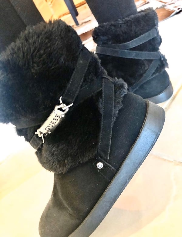 Guess Ugg 8ccba846-0a74-47e4-95c3-efbe1434ed1d