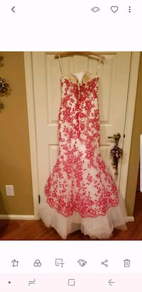 women's pink and white floral sleeveless dress Mount Laurel, 08054