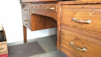Solid oak desk Surrey, V4N 3H1