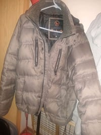$10 (M)women gray winter coat Sioux Falls, 57104