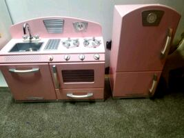 KIds Kraft kitchen set like new.