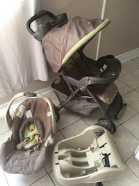 Baby's black-brown-and-green travel system Gatineau, J9J 2Y8