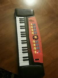$10 kid's piano San Leandro, 94578
