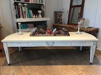 white and brown wooden table Vaudreuil-Dorion, J7V 2N1