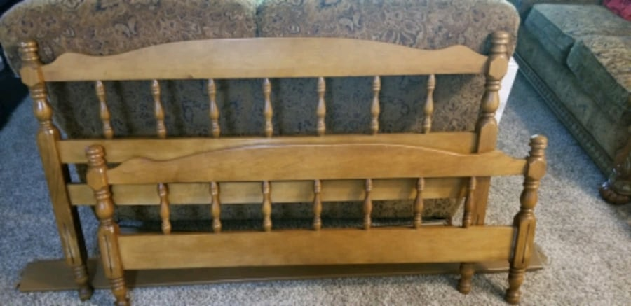 FREE! Full size bed frame with back/front board! Pick up today 6/3-8 63e24cd8-4d93-43f1-afde-02d18b736ec8