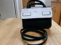 Guess purse never used really clean Edmonton, T6L 3A5