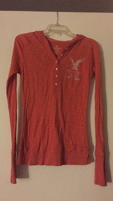 red American Eagle long-sleeve t-shirt