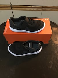 New nike flex experience 5 kids running sneakers size 6c and 10c color black New York, 11420