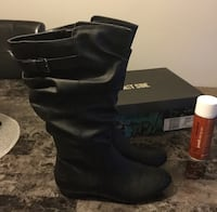 Lower east side boots size 8 1/2 w and box worn once ... also including the protection spray.. retail value for the boots $64.99 asking 25.00 London, N6J 2V9