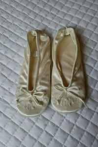 Satin ivory slippers, size 6 1/12 to 7 1/2 Lacey, 98516