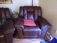 brown leather 3-seat recliner sofa Lynn, 01905